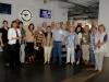 Unsere Besichtigungsgruppe in der Empfangshalle von Opel